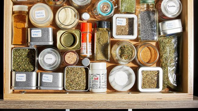 How To Get The Most Flavour From Your Dry Herbs photo