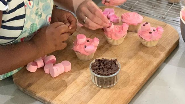 Watch: How To Make Holly Rey's Piggy Cupcakes photo
