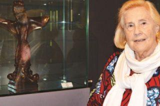 May De Lencquesaing: Vintner Became Glass Collector Extraordinaire photo