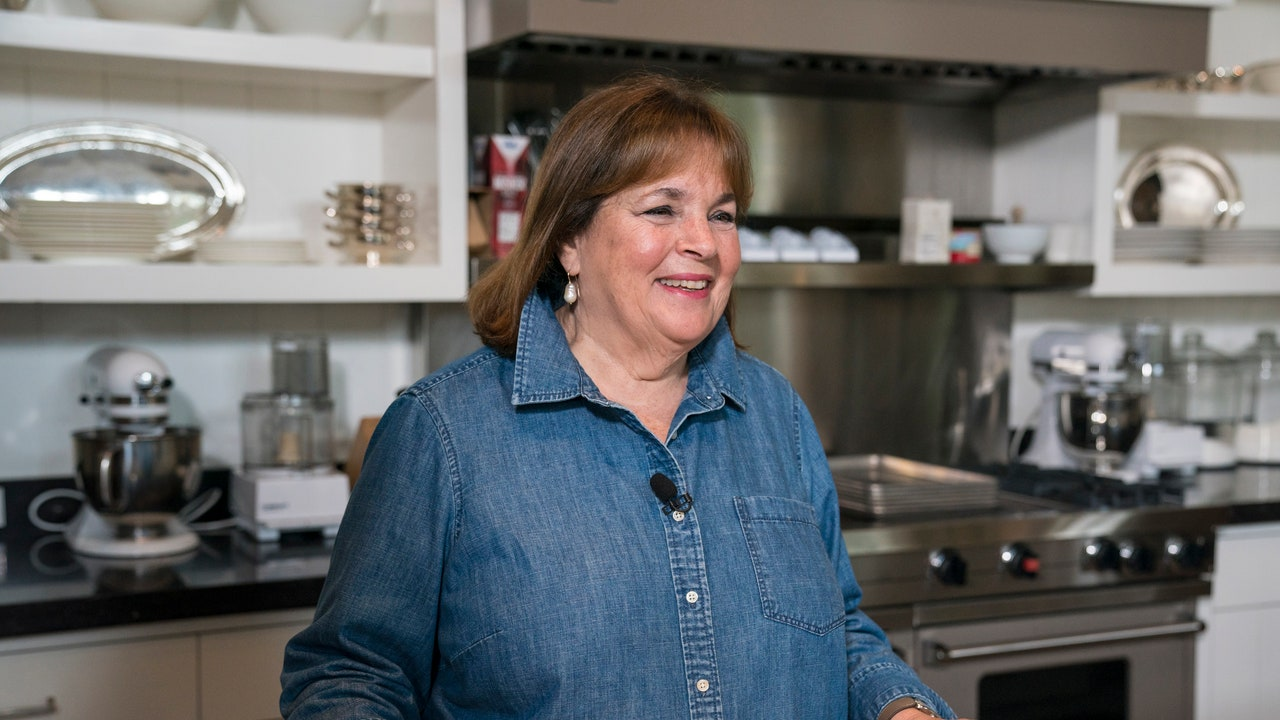 Please Enjoy Ina Garten Making A Quarantine Cocktail The Size Of An Infant At 9 A.m. photo
