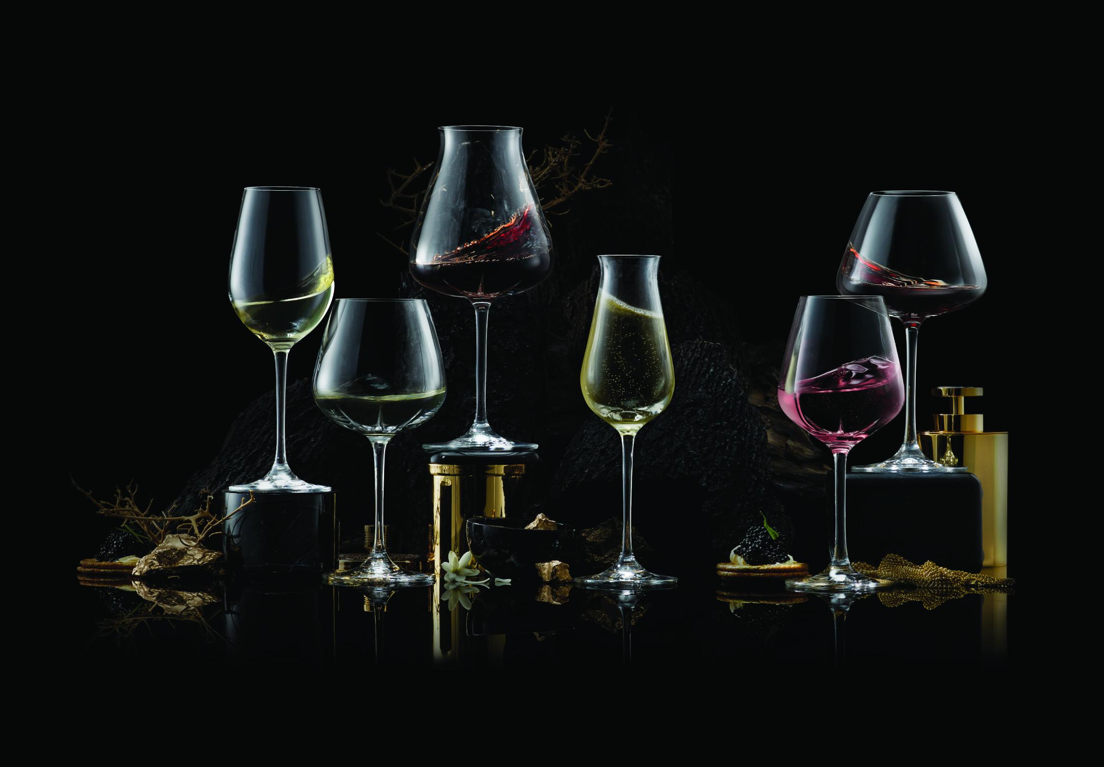 Choosing The Right  Wine Glass photo