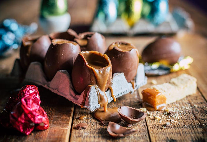 Transform Store-bought Easter Eggs Into Loaded Caramel Eggs With Shortbread Dippers photo
