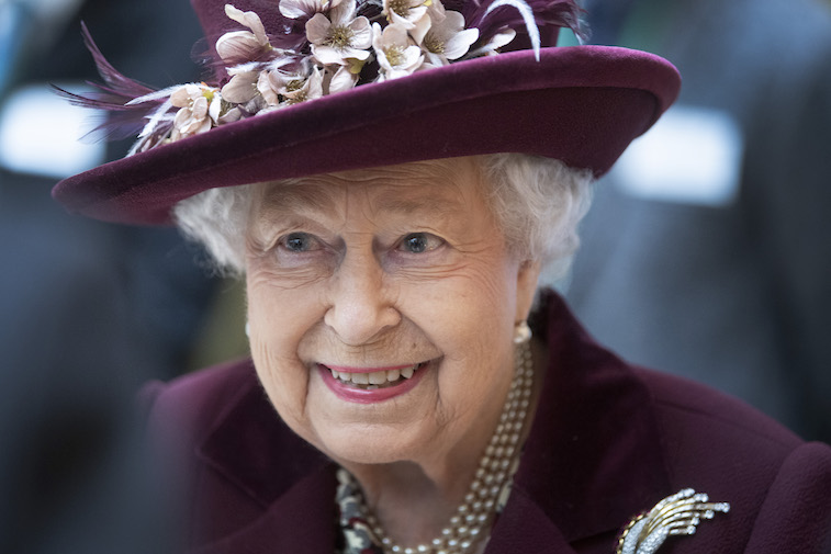 Does Queen Elizabeth Raise Her Pinky While Drinking Tea? photo
