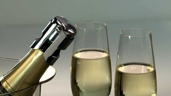 champagne stopper 700x394 The Best Ways to Preserve Wines and Beer to Increase Shelf Life