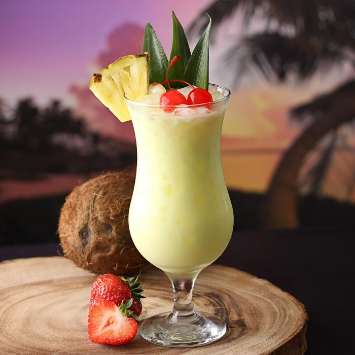 pina glass 700x700 Golden Rules To Stick To When Making A Piña Colada