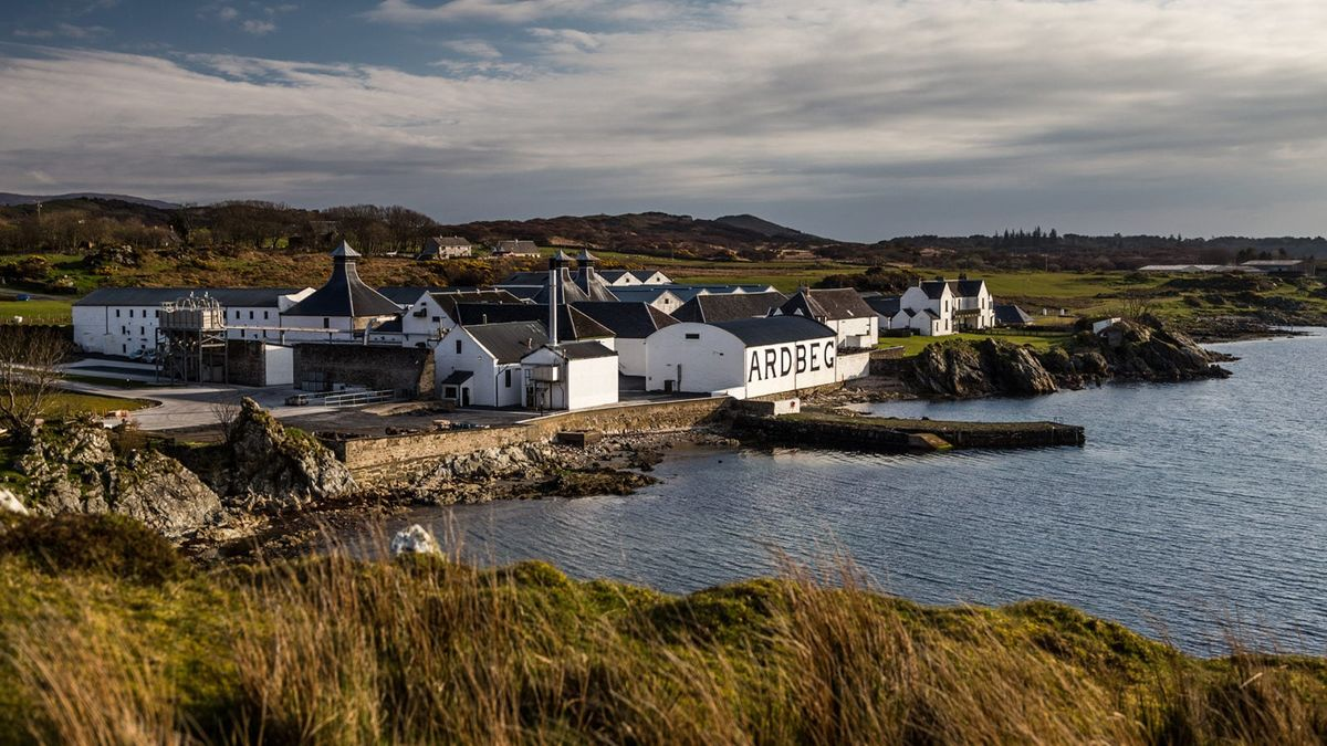 Travel Inspiration: Celebrate World Whisky Day With A Whisky Holiday photo