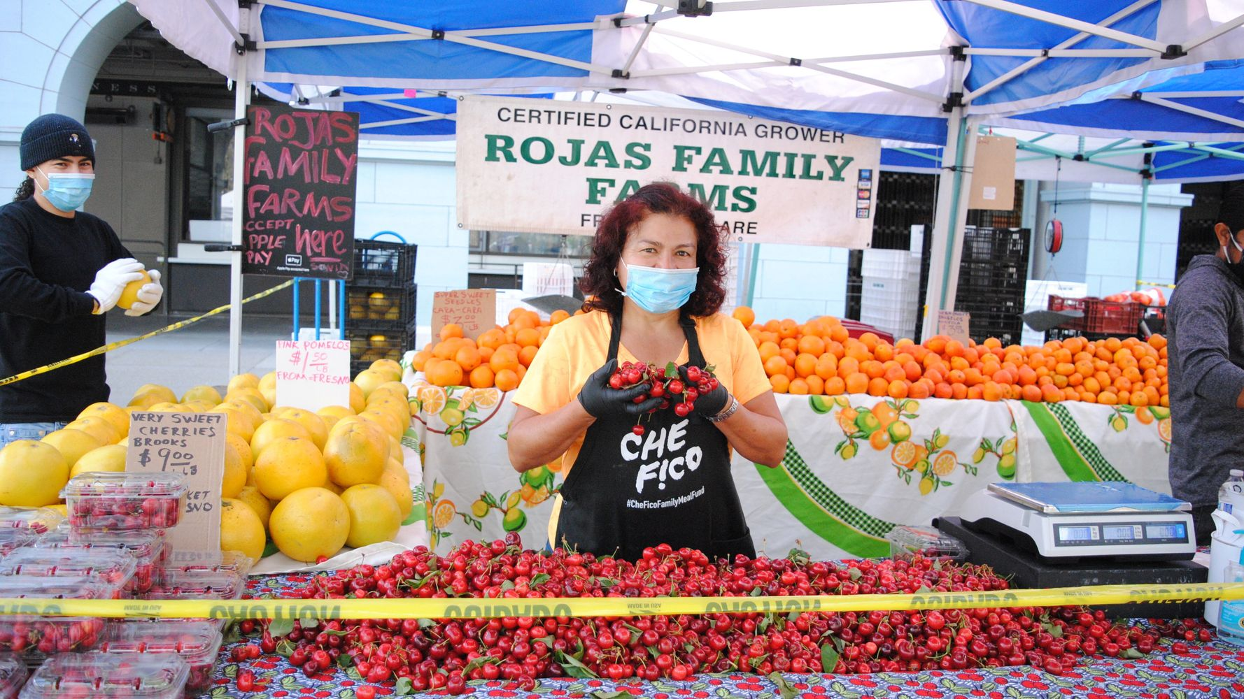 Is It Safe To Buy Food At The Farmers Market During The Pandemic? photo