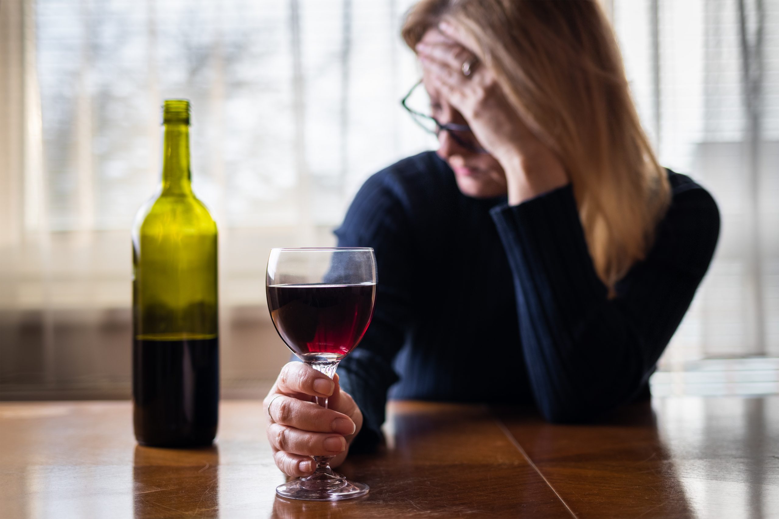 How Drinking Wine Relieves Stress During This Crisis photo
