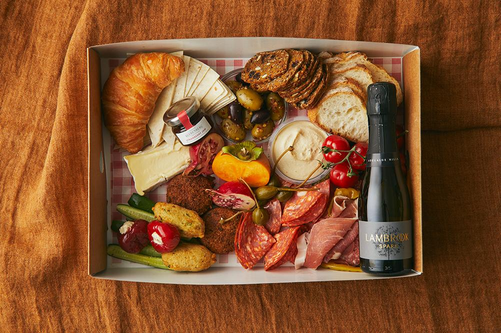 A Guide To Mother's Day Hampers, Gift Packs And Lunches photo