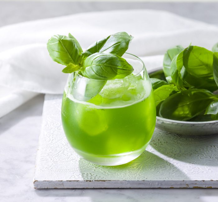 Basil Smash Cocktail 700x651 The Best Cocktails To Make With Tonic Water