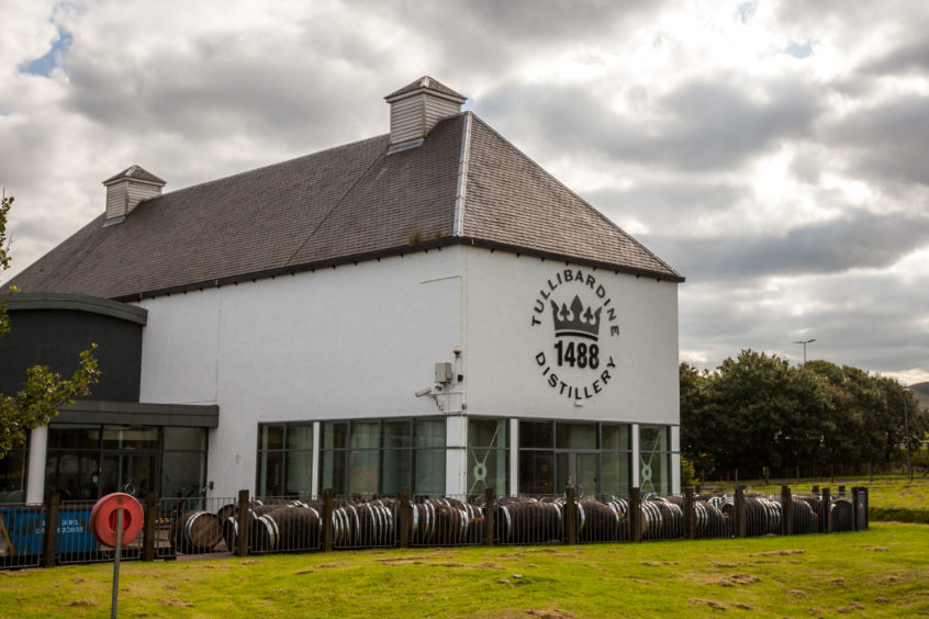 Amber Lights: Tullibardine Whisky Deserves Royal Seal Of Approval photo