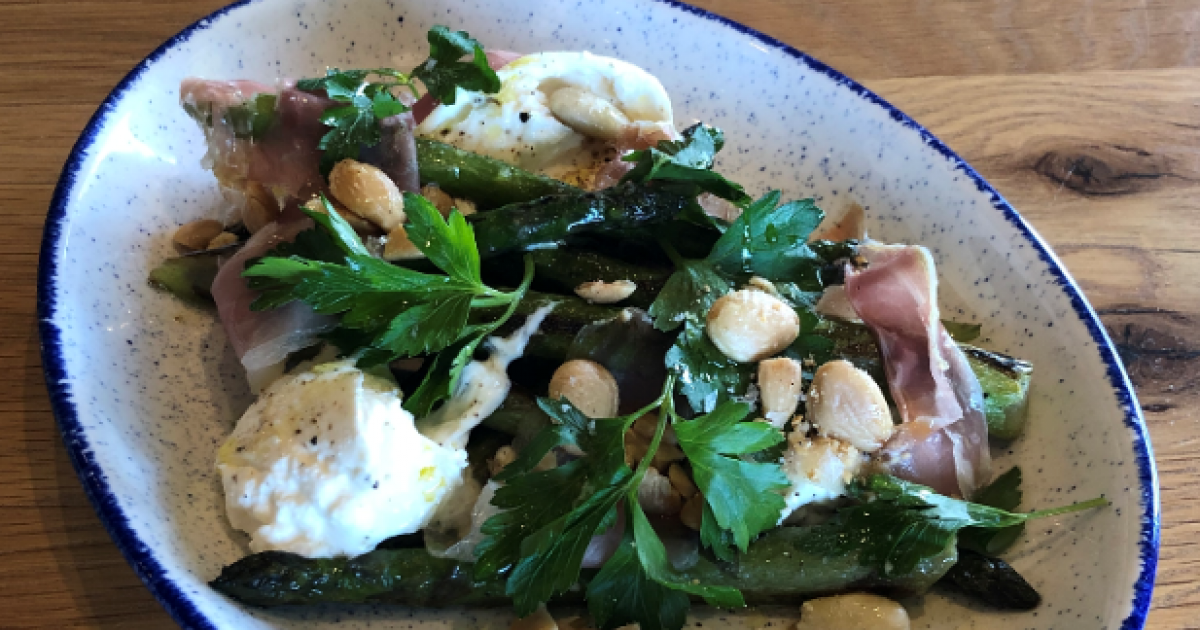 Mother's Day 2020: This Simple Grilled Asparagus Dish With Burrata, photo
