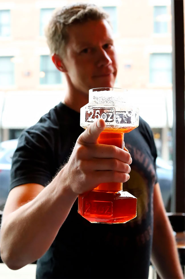Work Out While Enjoying A Cold One With This Dumbbell Beer Glass photo