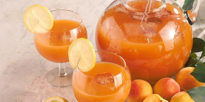 fruity apricot drink 700x350 The Best Cocktails To Make With Tonic Water