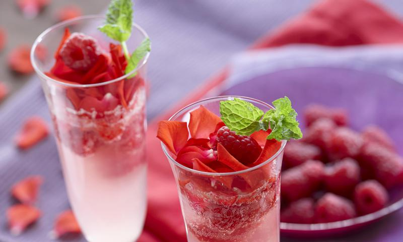Celebrate Your Mami With These Sparkly And Enticing Cocktails photo