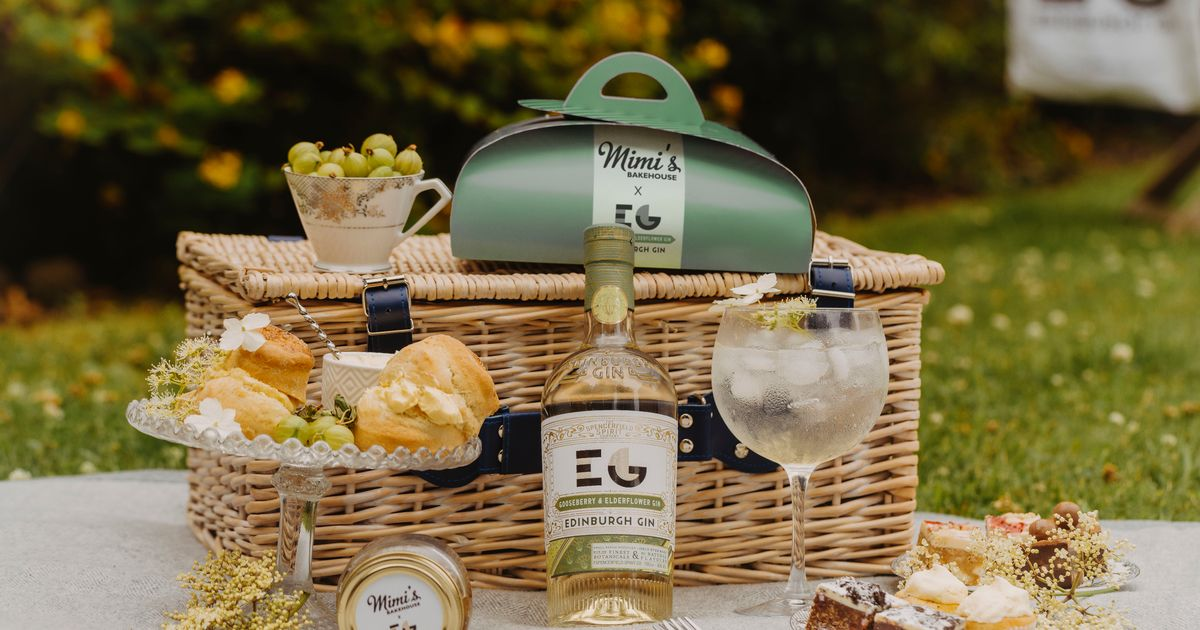 Edinburgh Gin And Top Bakery Serving Takeaway Afternoon G&t photo