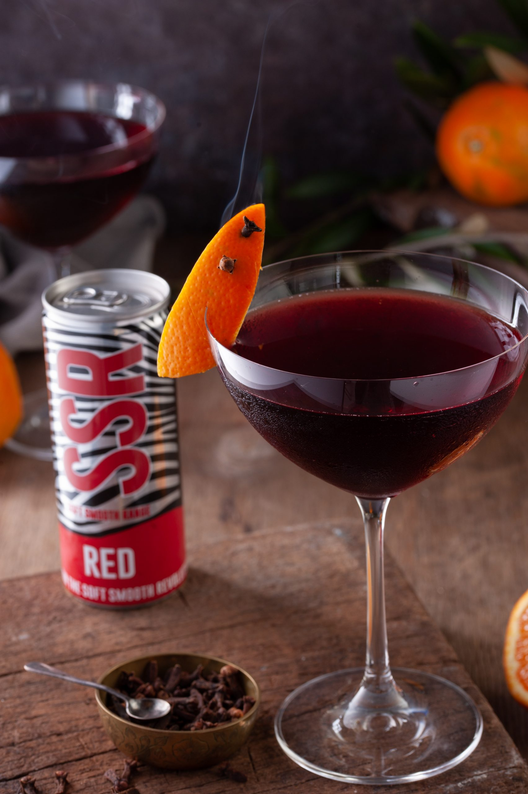 5 Reasons To Start Drinking Your Wine Out Of A Can photo