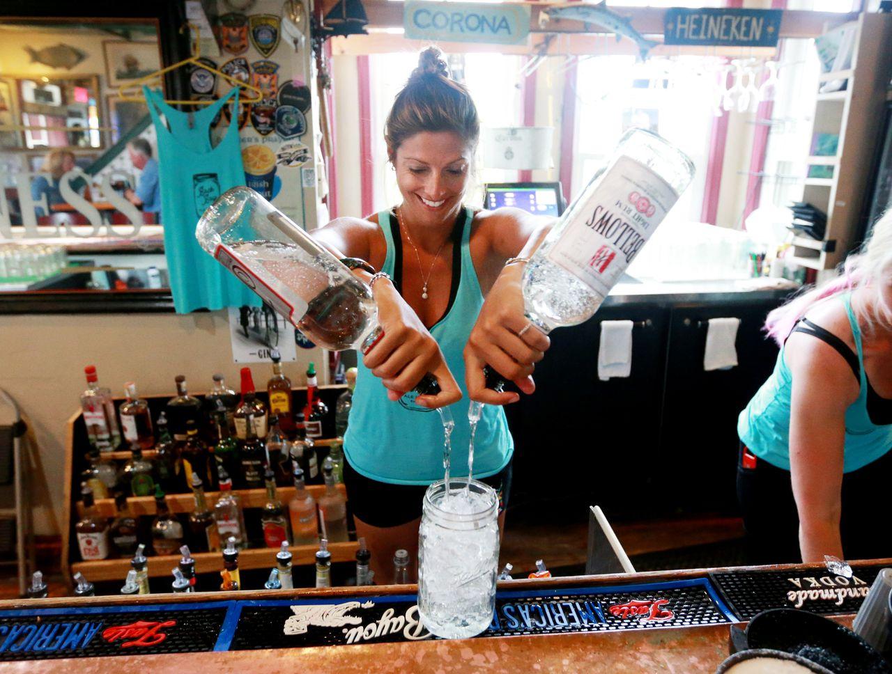 Drinking Will Soon Be Allowed On Atlantic City Boardwalk During Coronavirus Closures photo