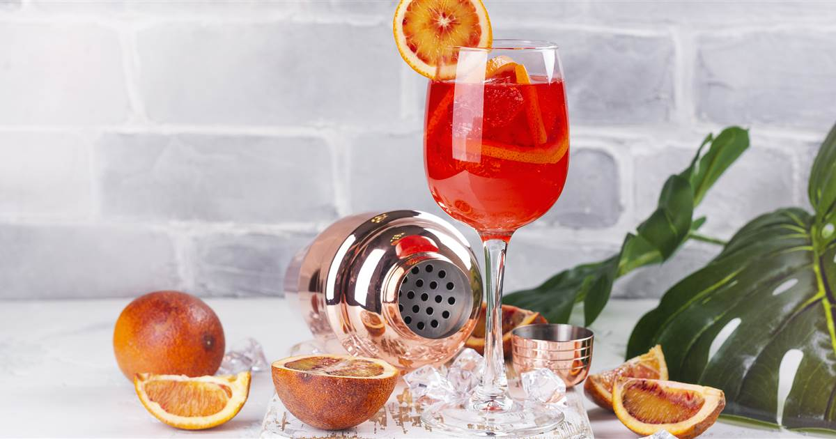 Why The Aperol Spritz Is The Perfect Drink For Summer photo