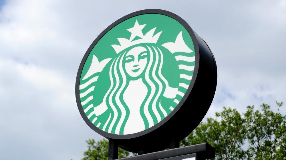 How To Order The Starbucks' Secret Firecracker Drink photo