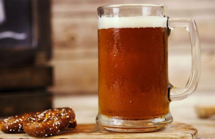 ipavspaleale main 700x455 3 Types of Beer to Enjoy This Summer