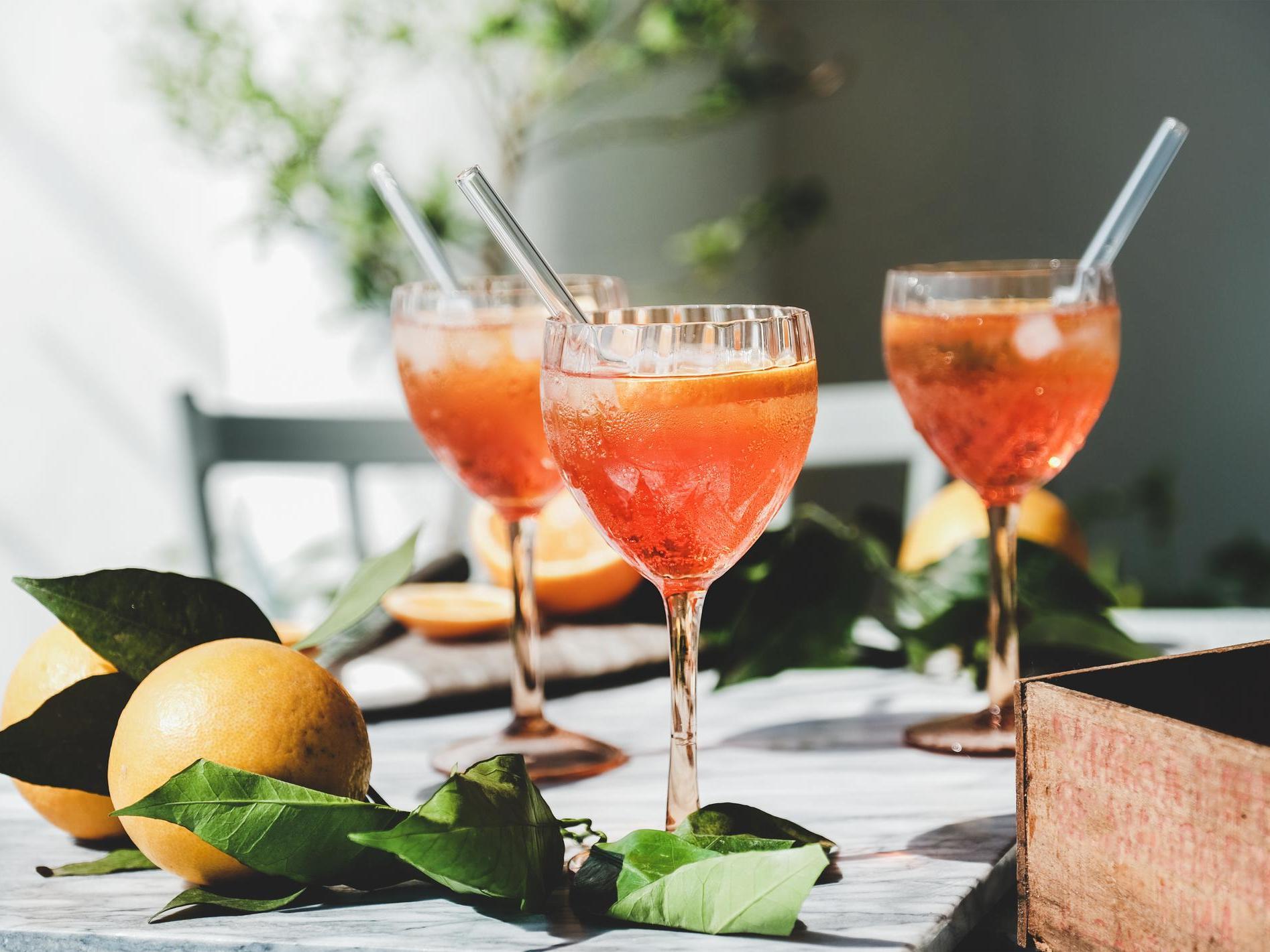How To Make A Rosé Aperol Spritz photo