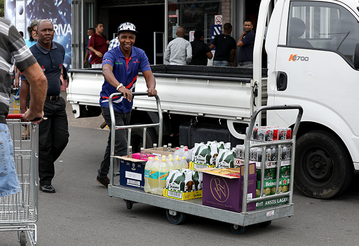 No Transport Of Booze Outside Level 3 Trading Hours, Warns SAPS photo
