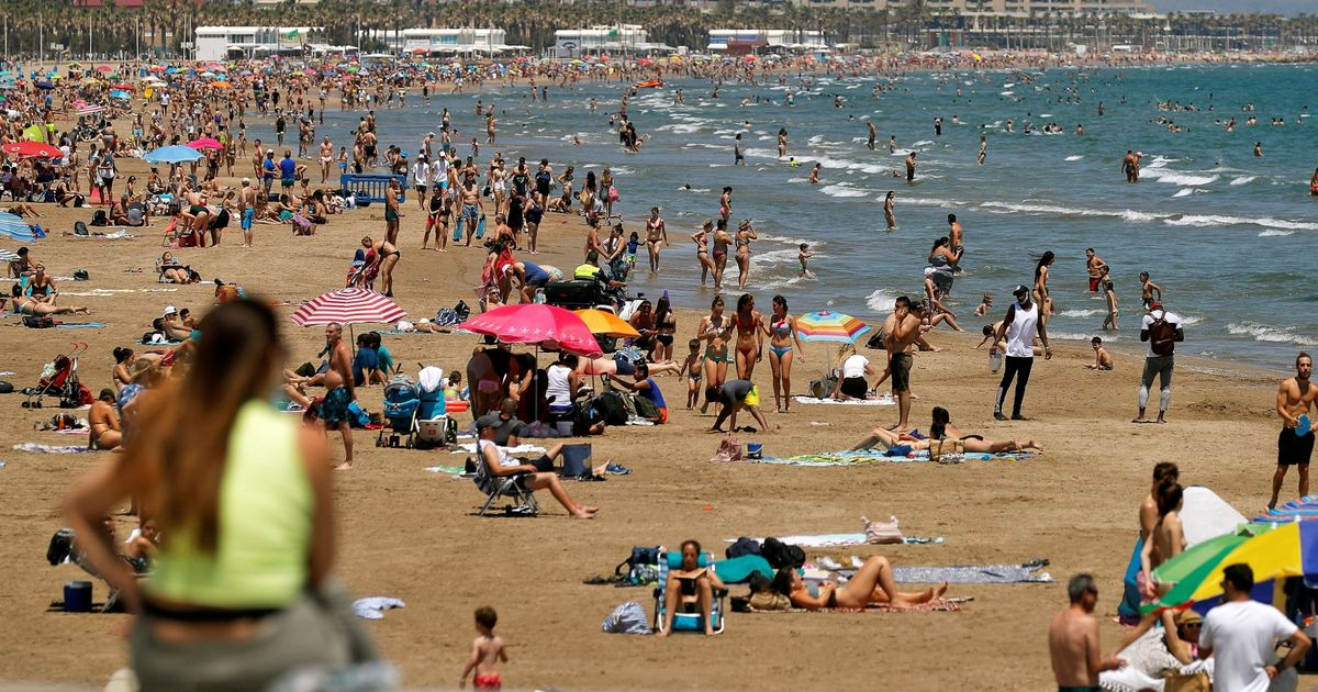 "Brit Holidaymakers Flocking To Spain 'hit With Shock ""covid Tax"" On Drinks' photo"