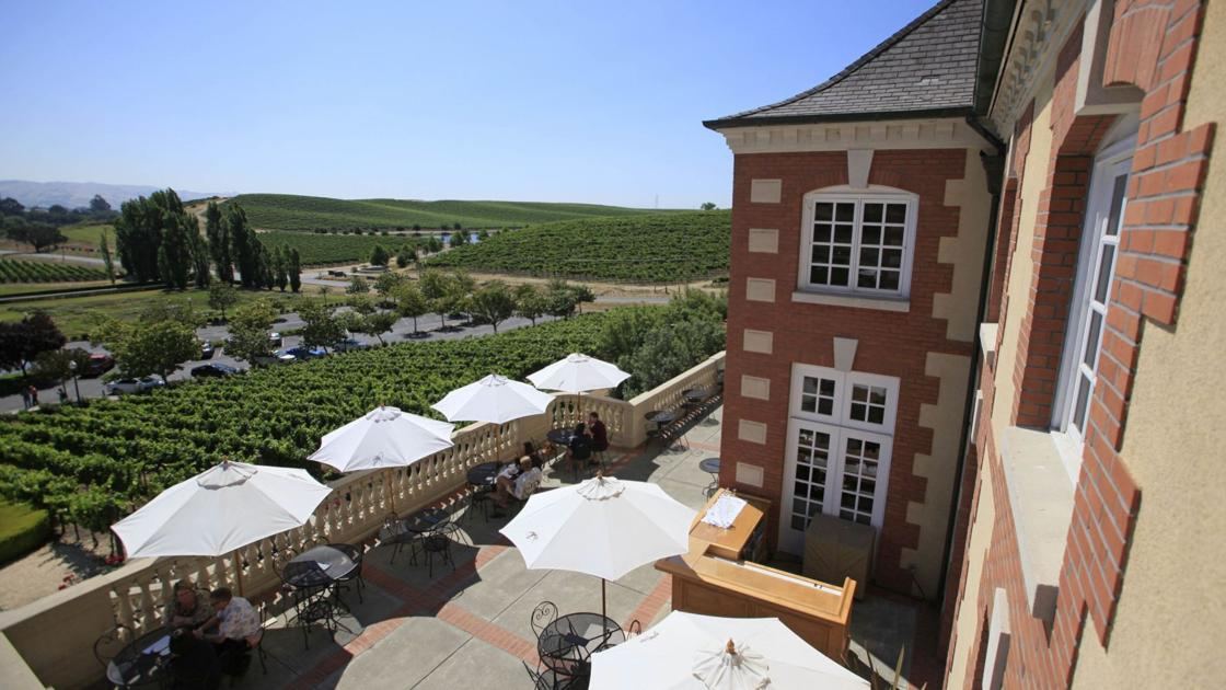 After Reopening Rollbacks, Napa Valley Tasting Room Visitation Comes In Waves photo