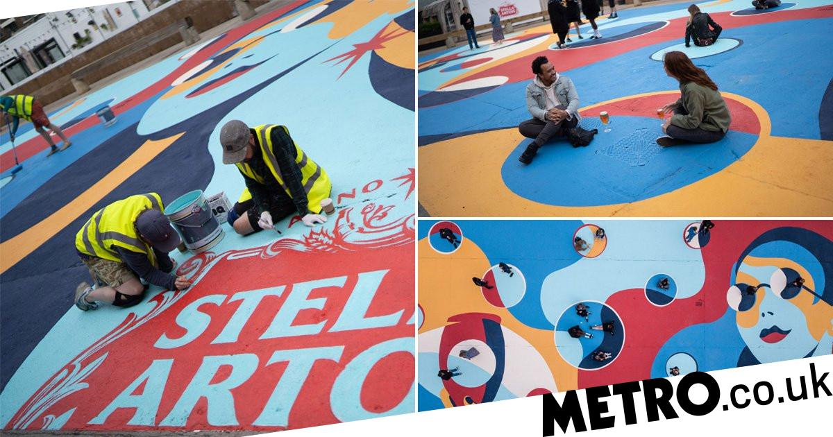 Stella Creates Floor Murals With Artist To Help Social Distancing In Pubs photo