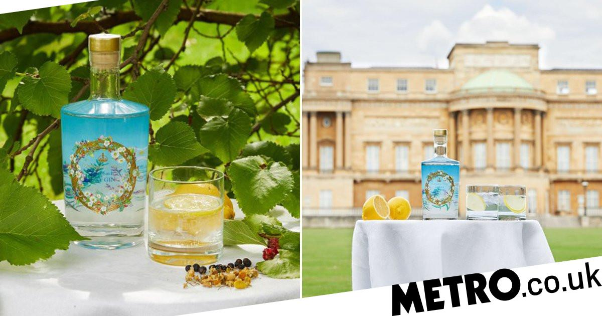 New Buckingham Palace Gin Is Made With Ingredients From The Queen's Garden photo