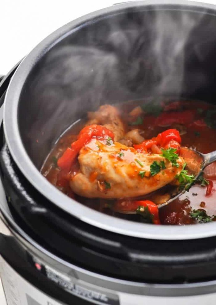Slow Cooker Instant Pot Chicken with Peppers and Onions 4 727x1024 1 700x986 The Best Instant Pot Chicken Recipes