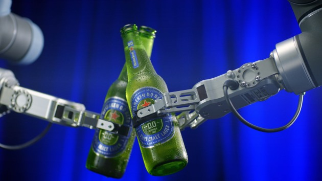 Heineken Launches Robotic Bar For Alcohol-free Beer Brand photo