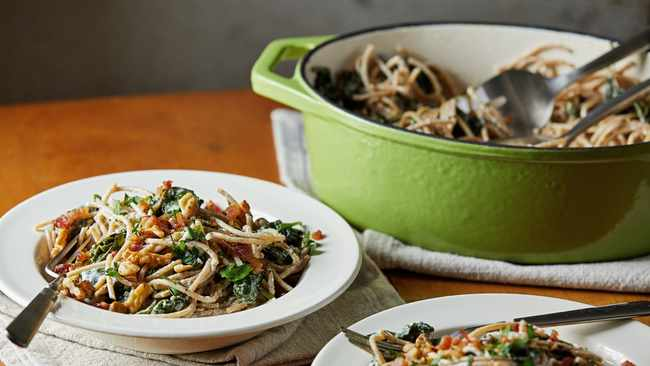 Recipe: Pasta With Goat Cheese, Spinach And Walnuts photo