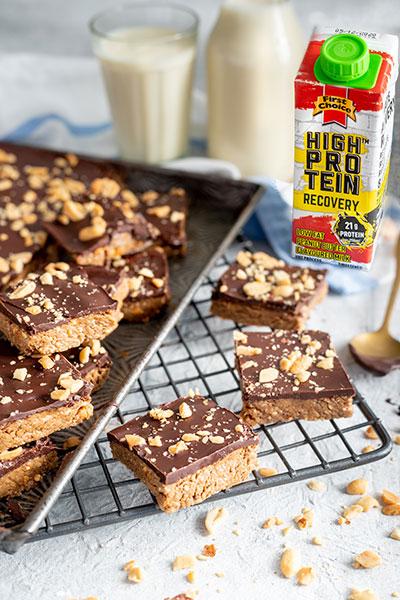 No-bake Peanut Butter & Dark Chocolate Protein Bars photo