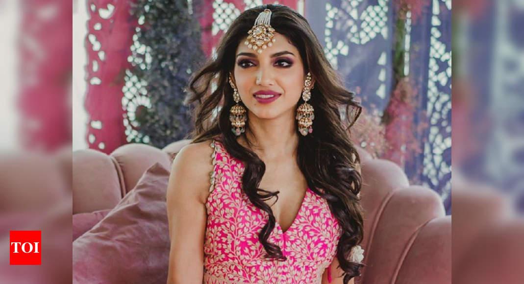 Exclusive: Miheeka Bajaj's Wedding Lehenga Took 10,000 Man-hours To Make, Says Designer Anamika Khanna photo