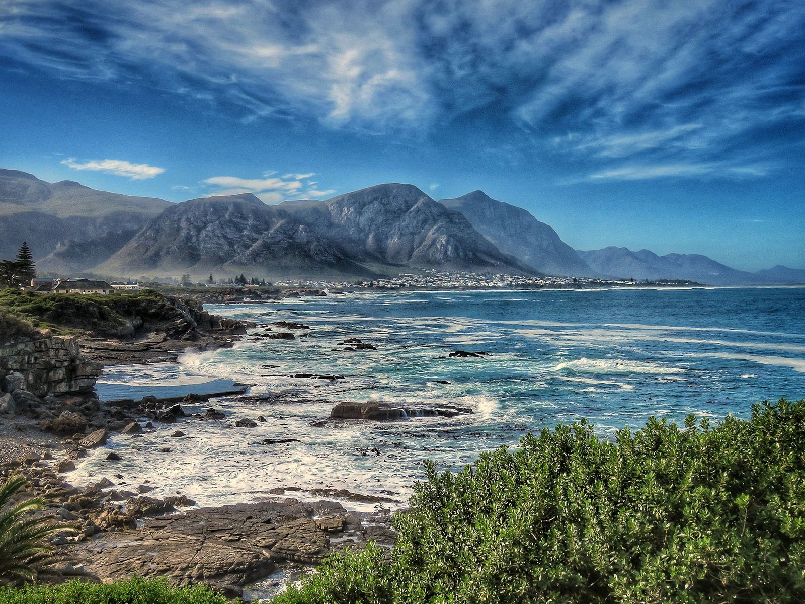 How To Plan A Culinary Road Trip Around South Africa's Cape Whale Coast photo