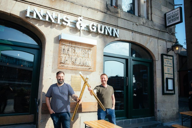 Innis & Gunn Celebrate Opening Of New Leith Taproom With Metre-long Beers And Hot Dogs photo