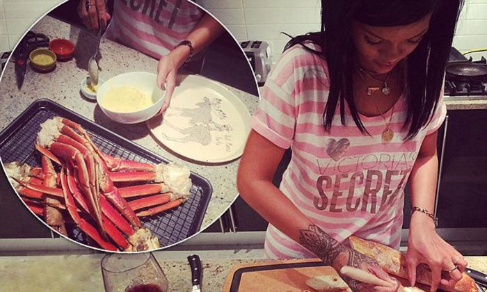 rihanna cooking food 700x420 Rihanna Is Releasing A Cookbook Filled With Her Favourite Caribbean Recipes