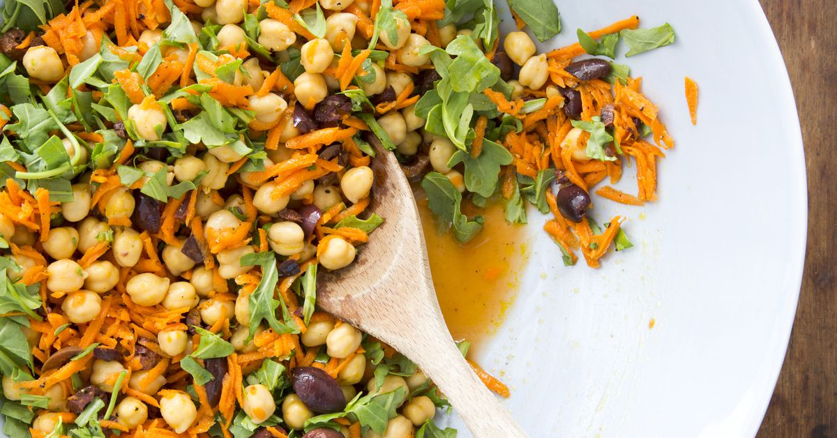 Menu Planner: Chickpea Salad With Carrots Provides Lots Of Flavor, Protein Without Meat photo