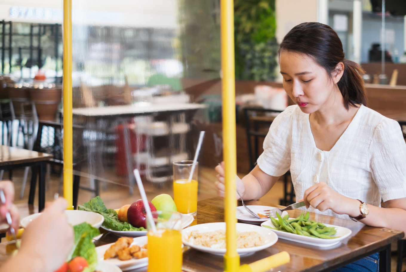 Social Distancing 5 Safety Precautions Restaurants Should Take With COVID 19