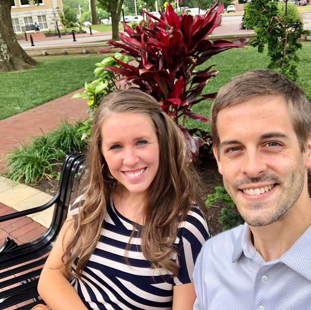 Jill Duggar Dishes On Her Nose Ring, Wearing Pants, Drinking Alcohol, & More photo