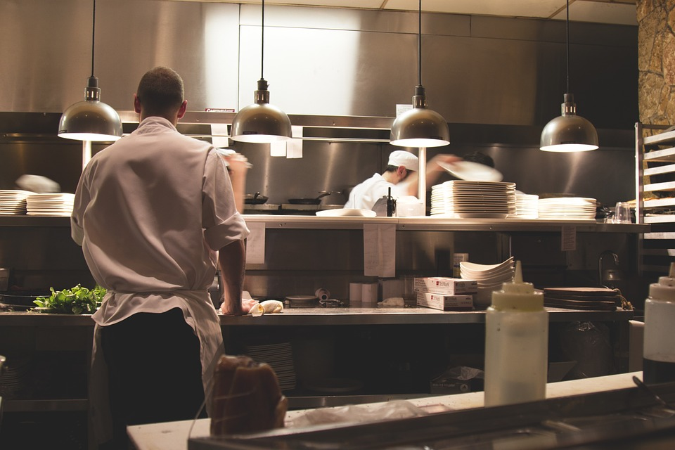 5 Safety Precautions Restaurants Should Take With COVID-19 photo