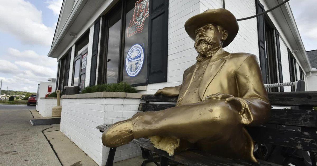 Man Accused Of Breaking Leg Off Jack Daniels Statue, Ransacking Hamilton Liquor Store photo