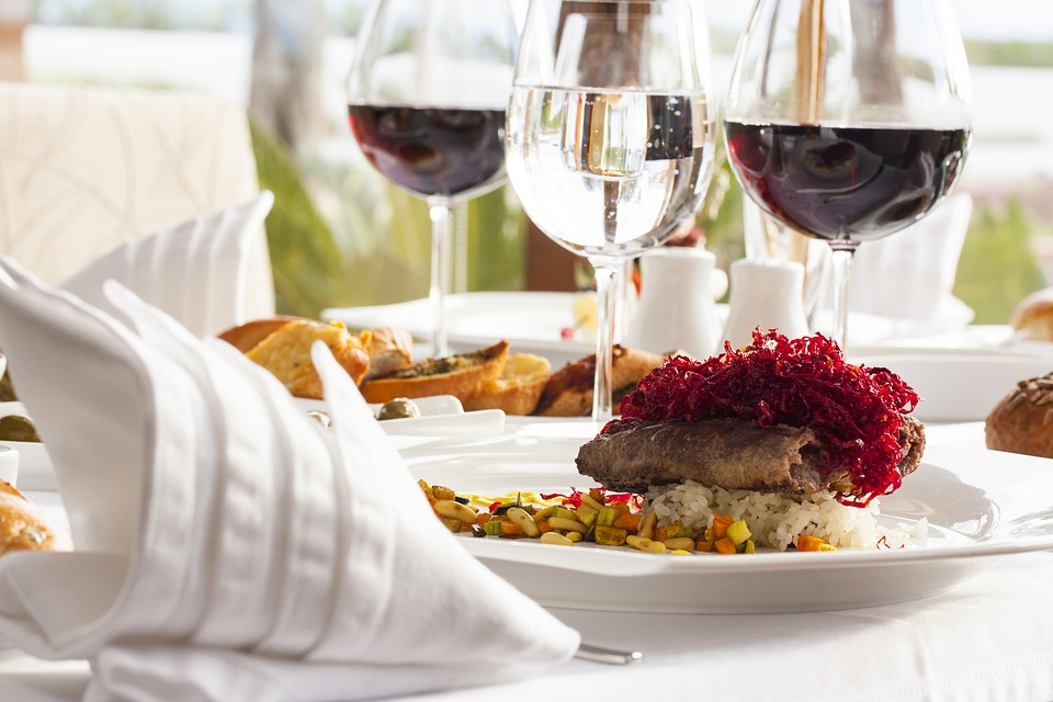 wine 3219850 960 720 Cotes du Rhone Wines: Character and Style You can Pair With A Large Variety Of Food