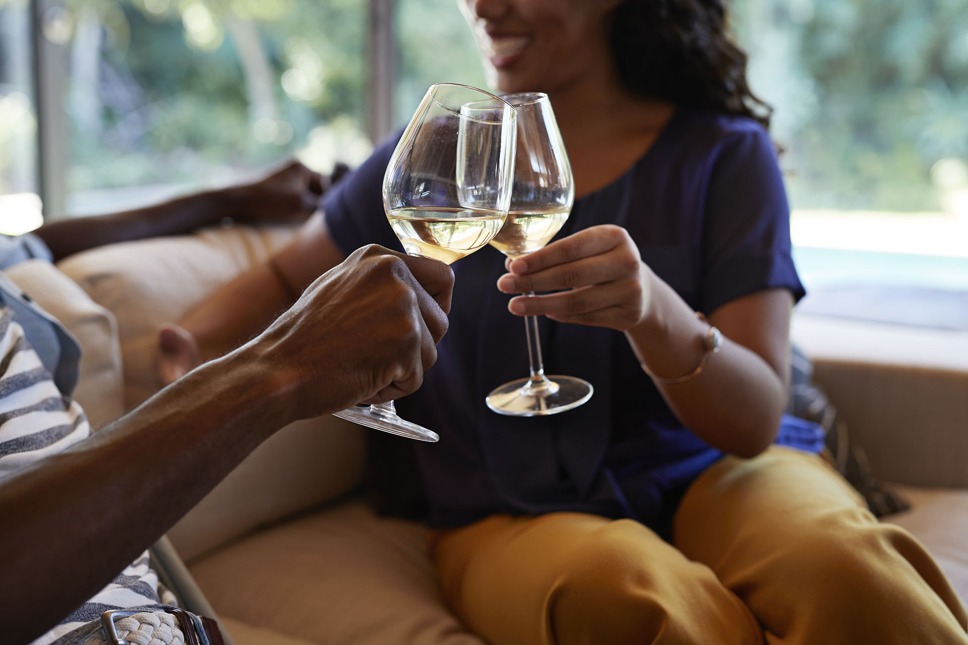 Tips For Having A Fun Evening With A Glass Of Wine photo