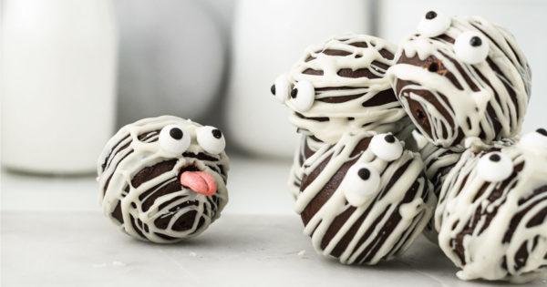 Recipe: Spooky Cake Truffles photo