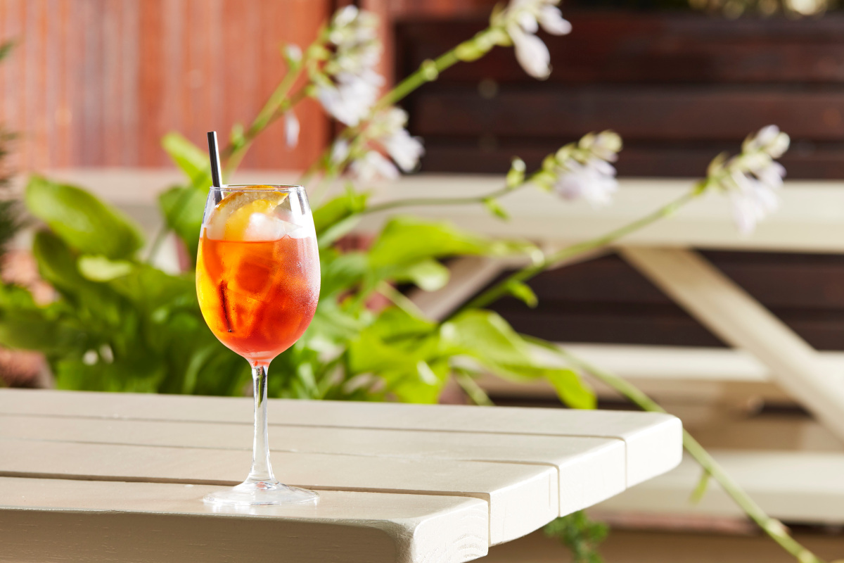 How To Make The Perfect Aperol Spritz For Fall photo