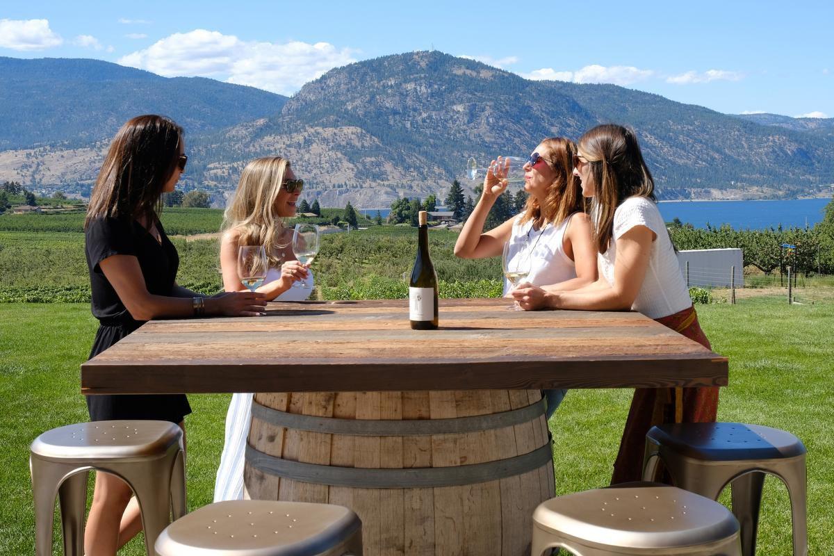 Canada's Napa Valley Seeks Elusive Audience: Canadian Wine Drinkers photo