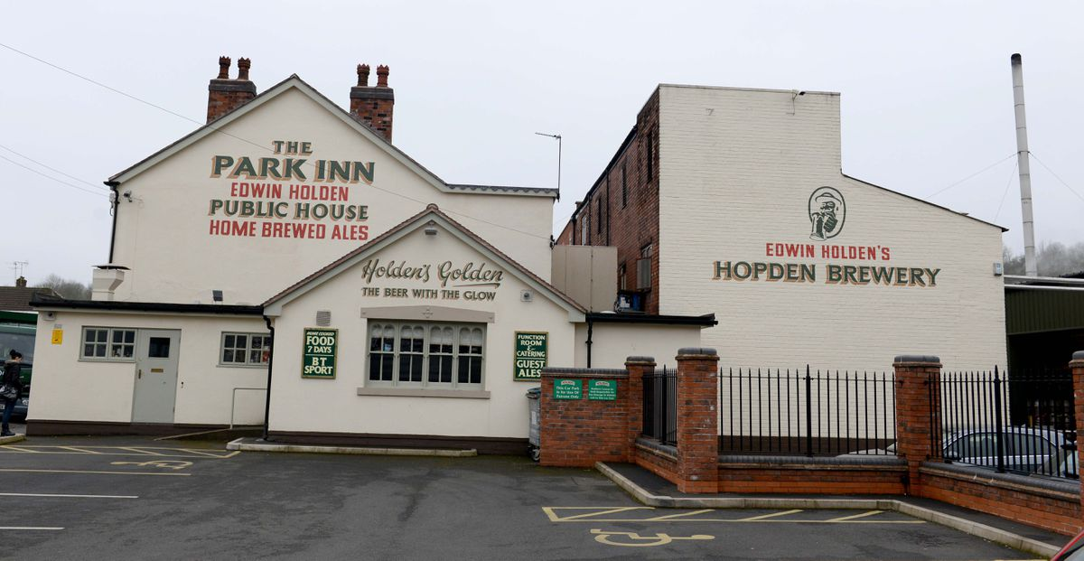 Pubs Will Be 'unworkable' Under Tier 3, Says Holden's Brewery Boss photo